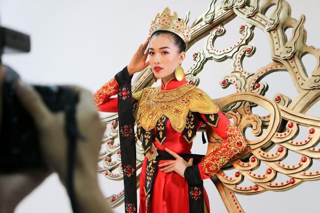 Quoc phuc cua Le Hang tai Miss Universe 2016 hinh anh 7