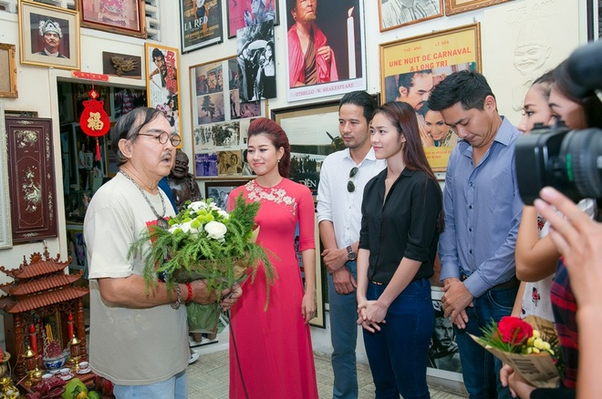 Diep Bao Ngoc, Doan Thanh Tai chuc Tet nghe si gao coi hinh anh 7