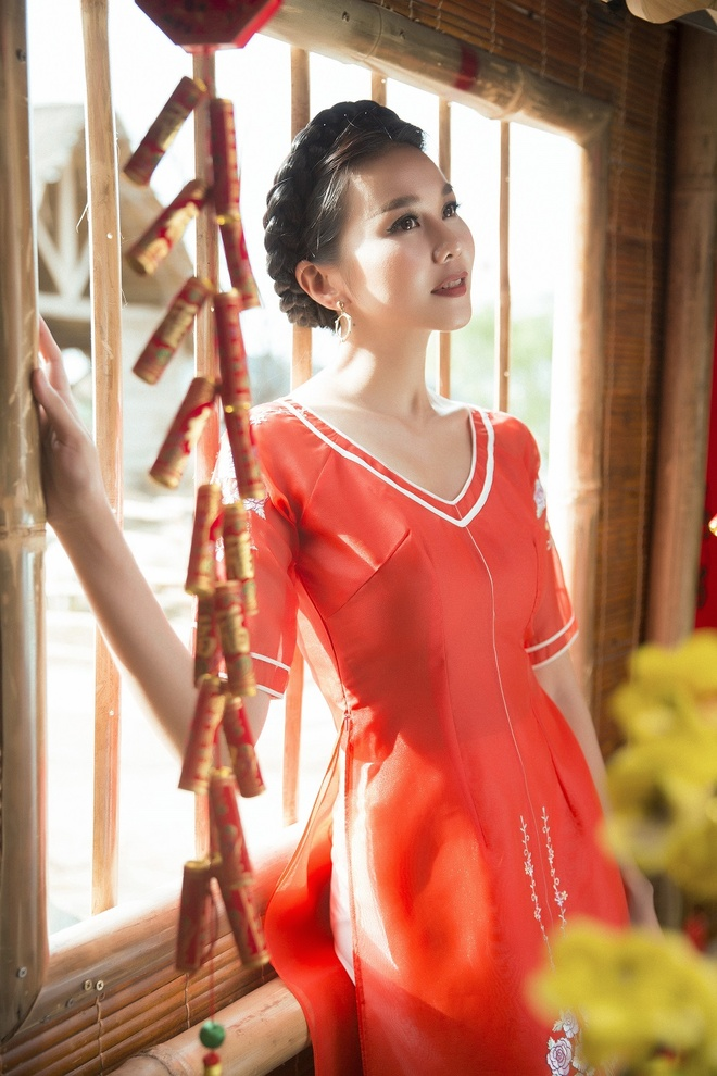 Thanh Hang goi y ao dai cach tan du xuan hinh anh 9