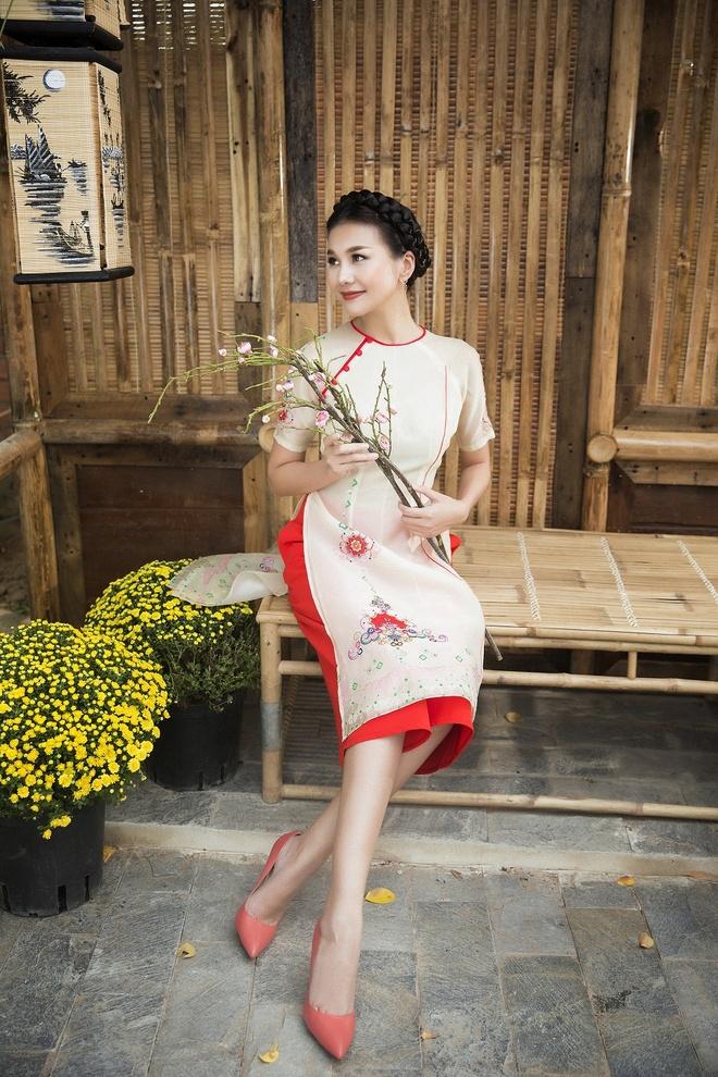 Thanh Hang goi y ao dai cach tan du xuan hinh anh 6
