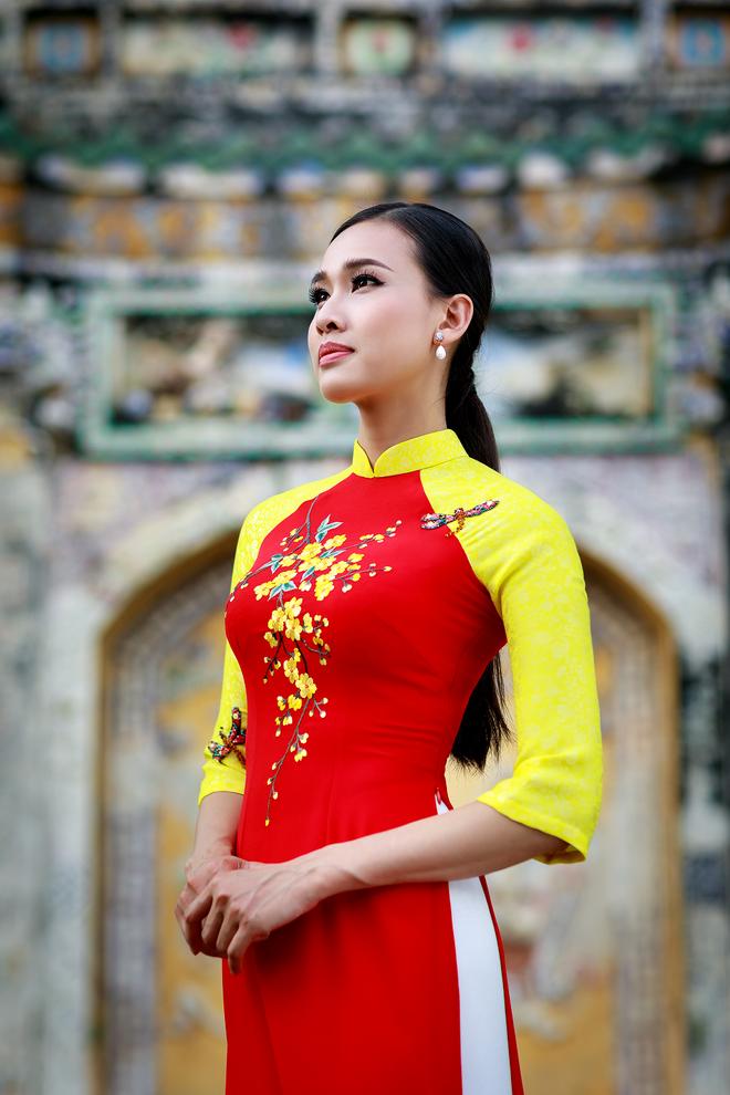 Duong My Linh duyen dang ao dai mua xuan hinh anh 4