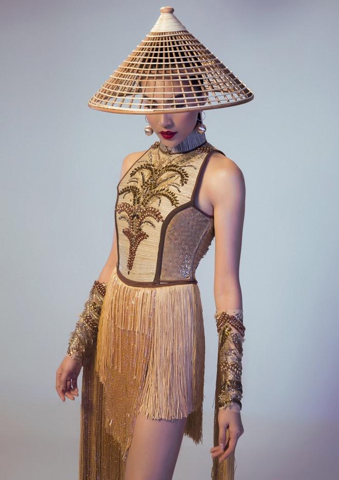 Trang phuc truyen thong la mat Le Hang mac o Miss Universe hinh anh 1