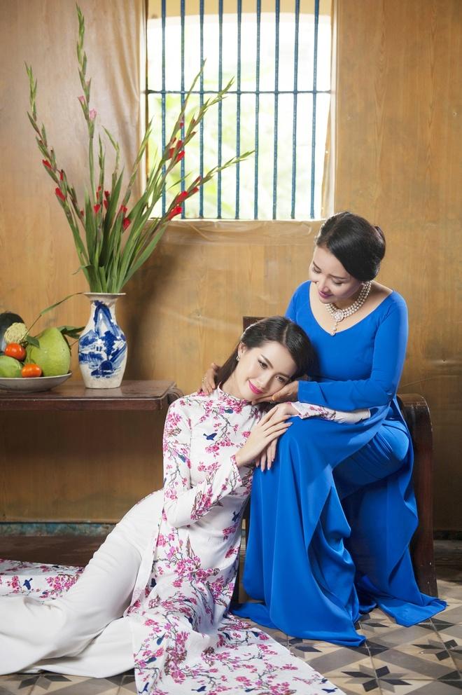 Phan Thi Mo va Ngan Quynh dien ao dai nen na don xuan hinh anh 4
