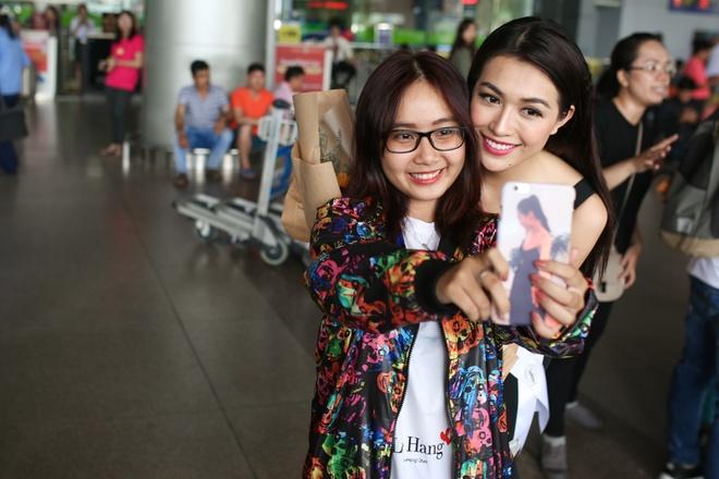 Le Hang tuoi tan ve nuoc sau Hoa hau Hoan vu hinh anh 5