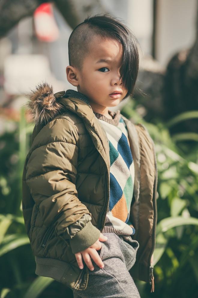 Con trai nuoi cua Do Manh Cuong dien dep xuong pho hinh anh 5