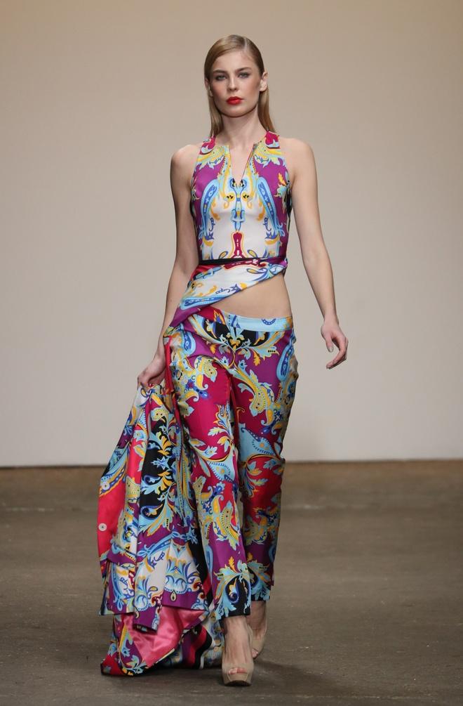 Nha thiet ke Viet tham gia New York Fashion Week anh 5