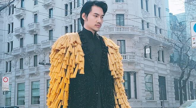 Ly Qui Khanh an mac 'doc, di' du show Dolce&Gabbana hinh anh