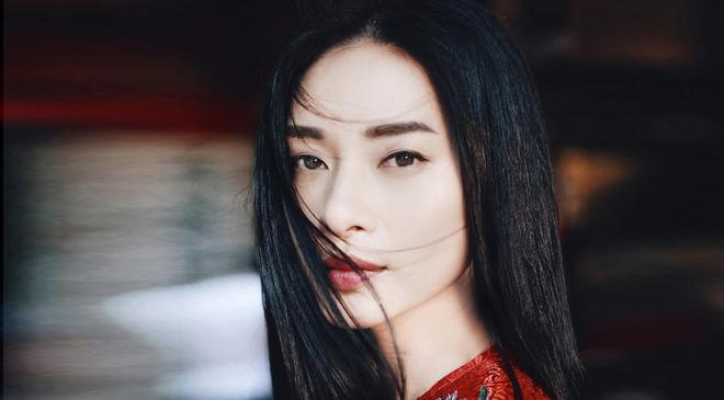 Sao Viet chuong xu huong trang diem mat A Dong hinh anh