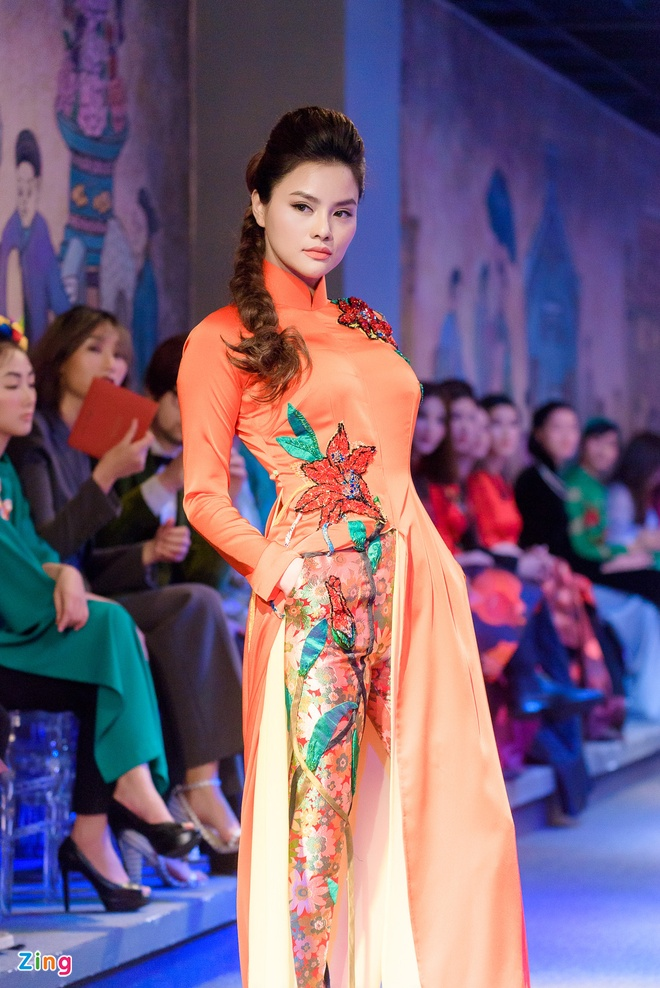 Vu Thu Phuong tro lai san dien anh 2