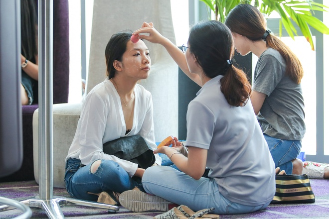 Khanh Ngan lam giam khao cham thi casting The Face hinh anh 8