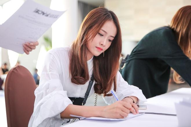 Chi gai Nam Em di casting The Face anh 4