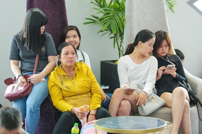 Chi gai Nam Em di casting The Face anh 9