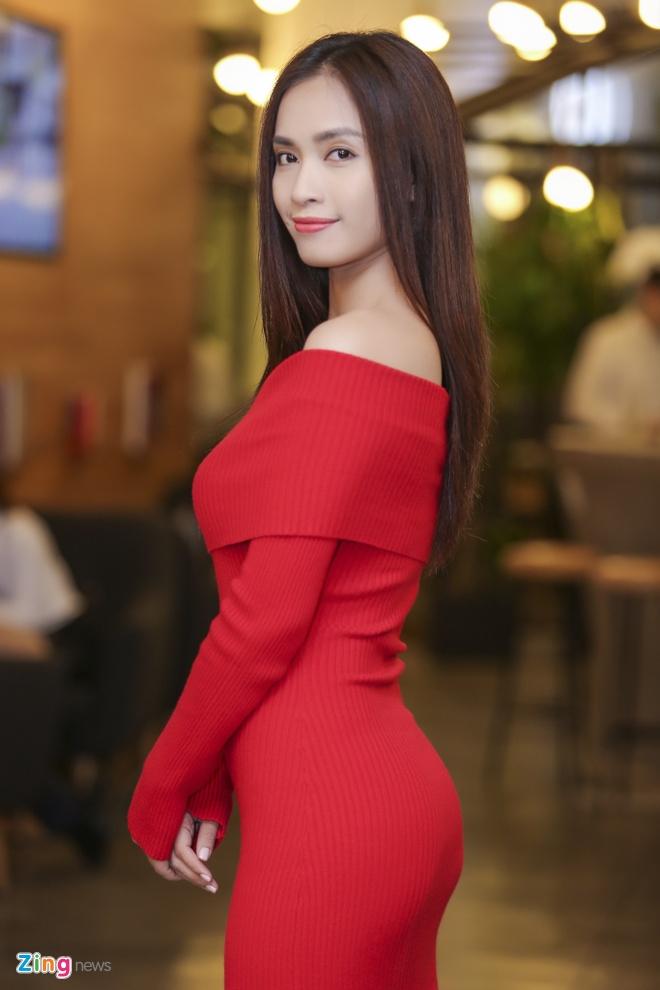 Thai Trinh - Quang Dang hon nhau say dam giua hop bao hinh anh 8