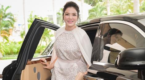 Ho Ngoc Ha, Ly Nha Ky noi bat giua dan my nhan Viet o su kien hinh anh