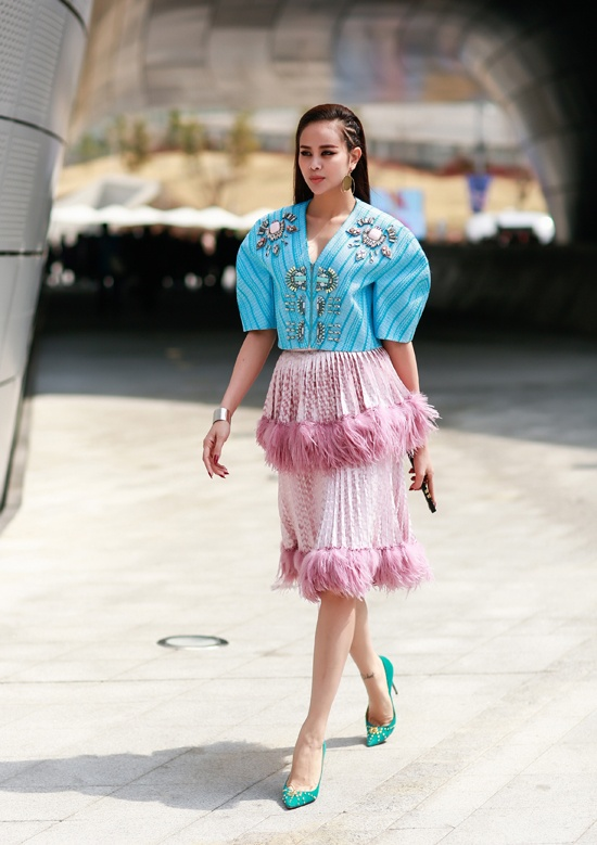 Toc Tien dien street style sanh dieu nhat tuan qua hinh anh 6