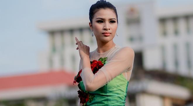 Nguyen Thi Thanh dat top 10 Hoa hau Tai nang du di thi chui hinh anh
