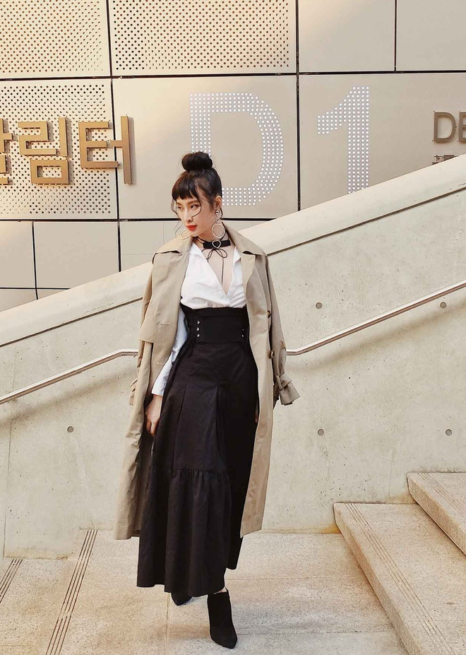 Angela Phuong Trinh sanh dieu tren duong pho Han Quoc hinh anh 3