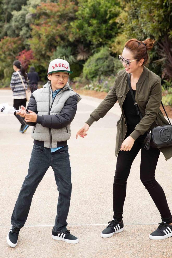 Jennifer Pham dua con trai di choi o My hinh anh 7