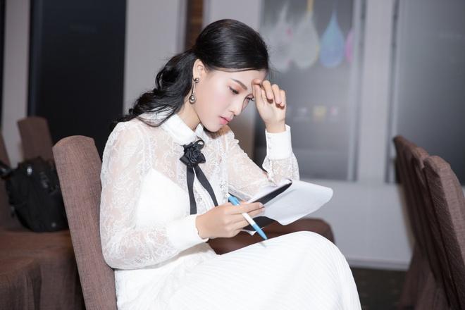 Hoang Oanh du su kien sau khi thua nhan chia tay Huynh Anh hinh anh 3