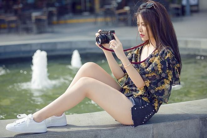 Ha Ho, Hoang Thuy Linh dien street style noi bat nhat tuan qua hinh anh