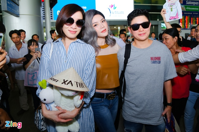Ngoi sao TVB Xa Thi Man quay lai Viet Nam hinh anh 4