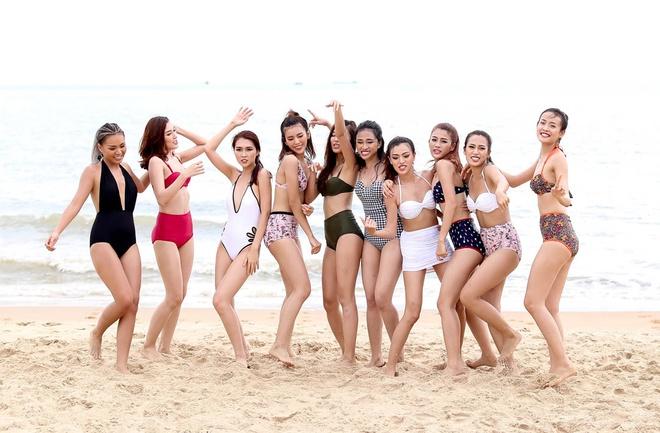 Top 10 The Face khoe dang voi bikini hinh anh 7
