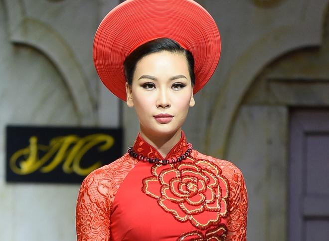Thuy Linh tro lai san dien sau khi chia tay Truong Nam Thanh hinh anh