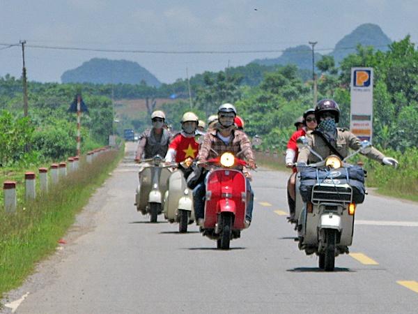 Bi quyet cho ky nghi hoan hao o Sa Pa dip 30/4 hinh anh 2 Nhiều bạn trẻ thích du lịch phượt đến Sapa bằng xe máy hơn