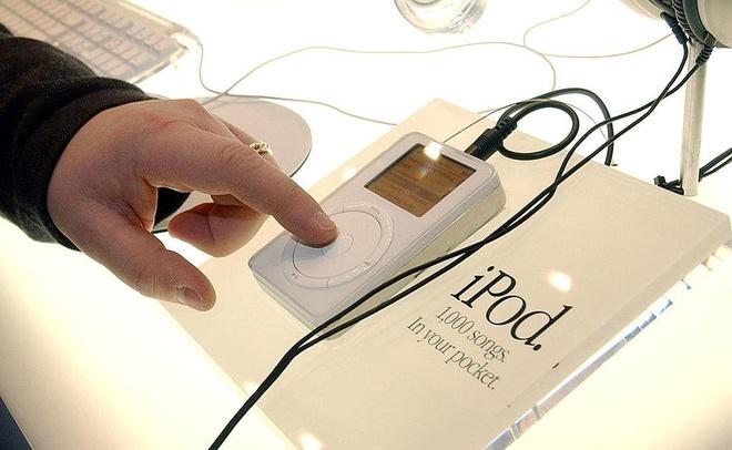 Steve Jobs la chat keo gan ket nha thiet ke Jony Ive voi Apple hinh anh 11