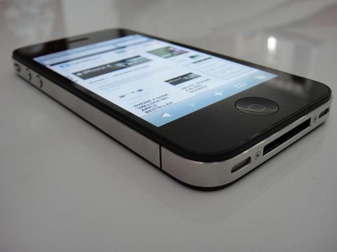 Steve Jobs la chat keo gan ket nha thiet ke Jony Ive voi Apple hinh anh 14