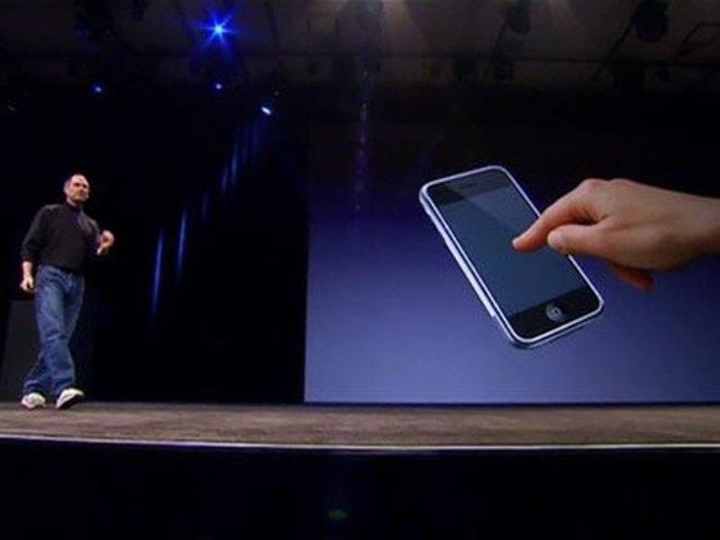 Steve Jobs la chat keo gan ket nha thiet ke Jony Ive voi Apple hinh anh 16