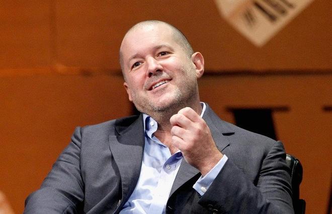 Steve Jobs la chat keo gan ket nha thiet ke Jony Ive voi Apple hinh anh 23