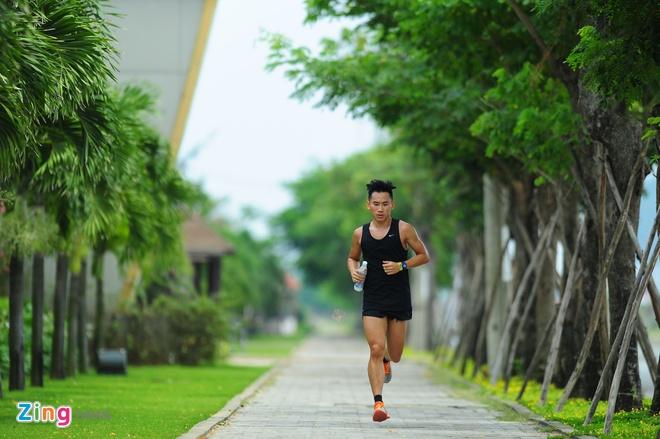 Lao tuong gan 80 tuoi tham du Ironman 70.3 tai Viet Nam hinh anh 8