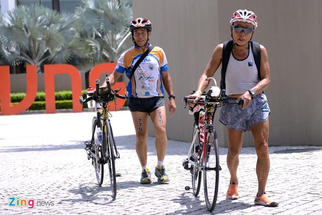 Lao tuong gan 80 tuoi tham du Ironman 70.3 tai Viet Nam hinh anh 6