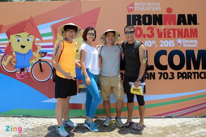 A hau Hoang My rang ro truoc ngay tham du Ironman hinh anh 1