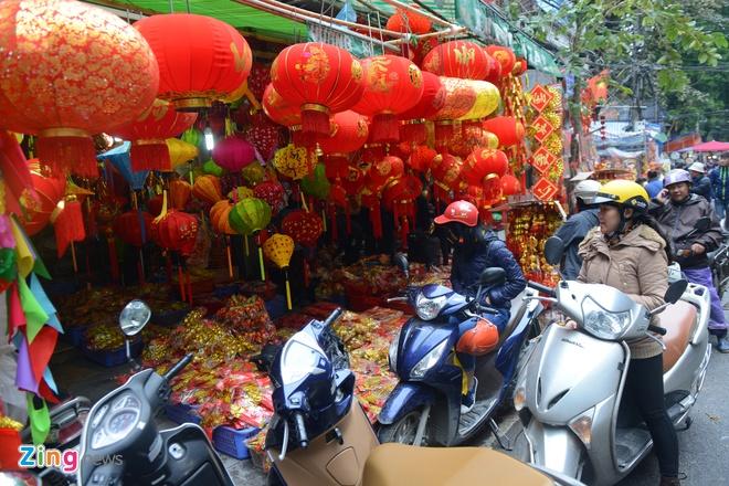 Cho hoa pho co Ha thanh tap nap dip can Tet hinh anh 9