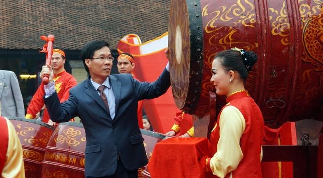 Ngay tho Viet Nam soi dong tai Van Mieu hinh anh