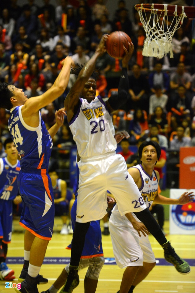 HN Buffloes the play off tren san nha anh 7