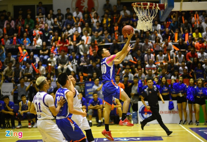 HN Buffloes the play off tren san nha anh 3