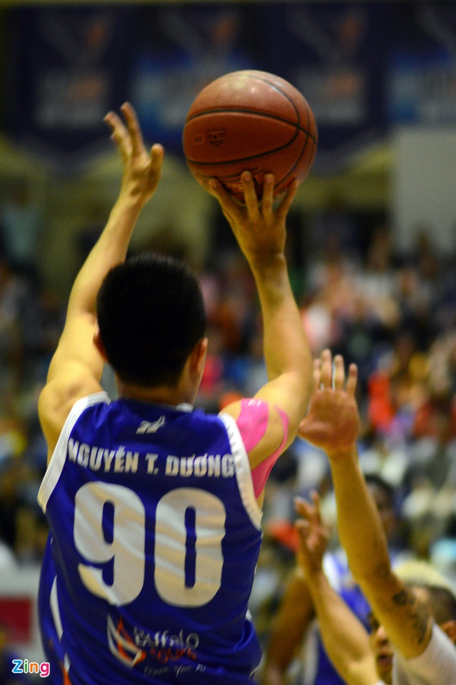 HN Buffloes the play off tren san nha anh 2