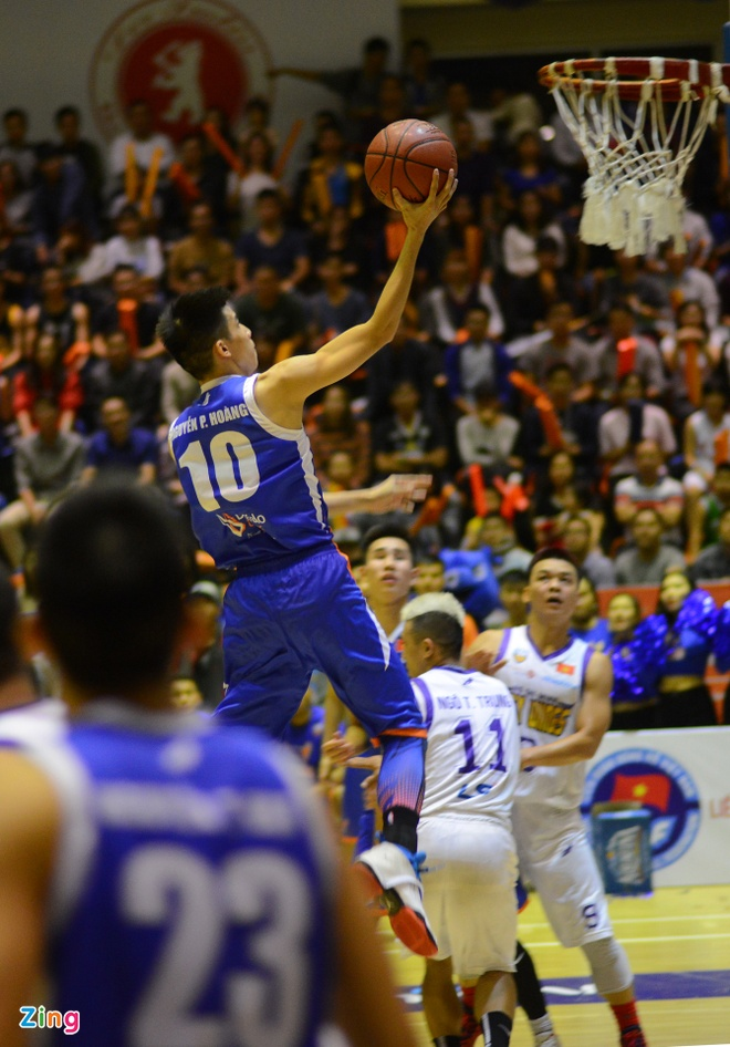 HN Buffloes the play off tren san nha anh 16