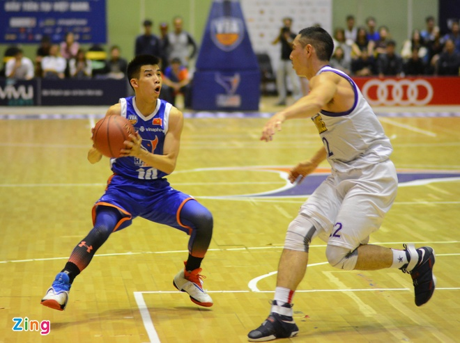 HN Buffloes the play off tren san nha anh 9