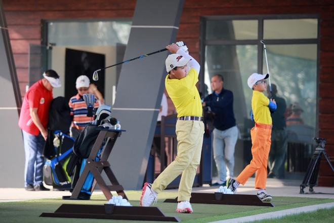 Phat trien golf Viet Nam huong toi gioi tre anh 2
