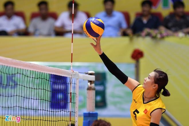 Chan dai bong chuyen Han Quoc xinh dep tai VTV Cup hinh anh 11