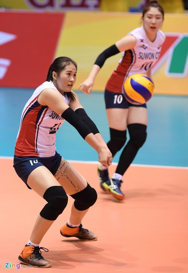 Chan dai bong chuyen Han Quoc xinh dep tai VTV Cup hinh anh 9