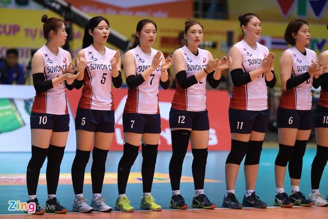 Chan dai bong chuyen Han Quoc xinh dep tai VTV Cup hinh anh 1