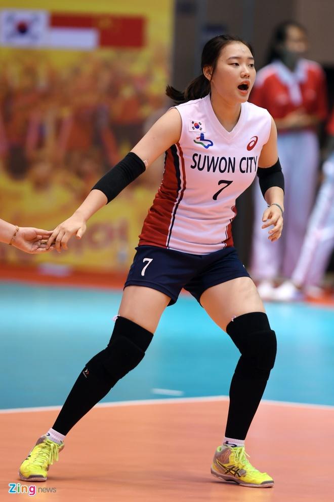 Chan dai bong chuyen Han Quoc xinh dep tai VTV Cup hinh anh 4