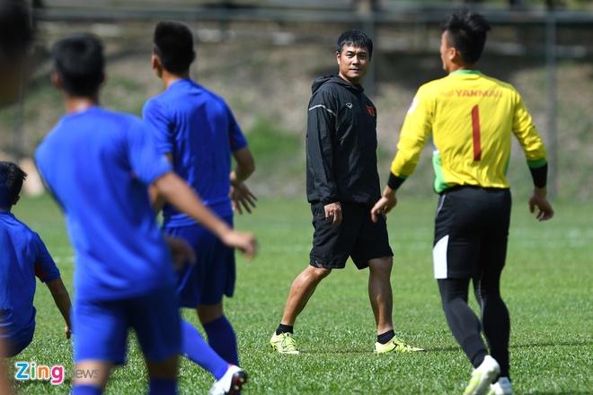 Huu Thang va hoc tro gap kho lien tiep truoc SEA Games 29 hinh anh 10