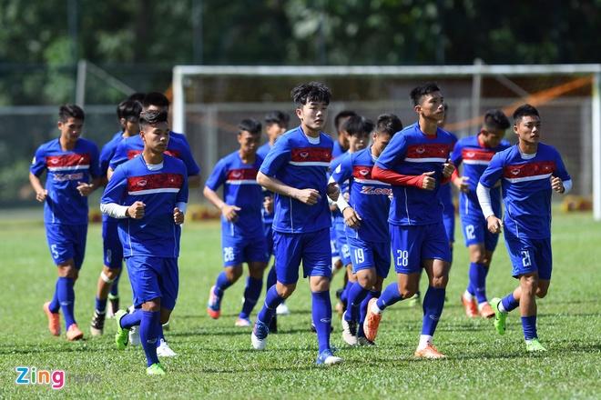 Huu Thang va hoc tro gap kho lien tiep truoc SEA Games 29 hinh anh 9