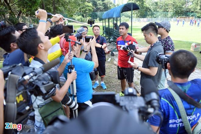 Huu Thang va hoc tro gap kho lien tiep truoc SEA Games 29 hinh anh 11